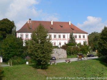 Ausflüge vom Bauernhof Eckl zum Schloß Miltach