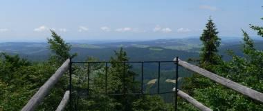 mitterfirmiansreut-aussichtsfelsen-ausflugsziel-sehenswertes-panorama-380