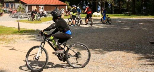 mountainbike-fahren-bayerischer-wald-bikepark-geisskopf-mtb-touren-bayern