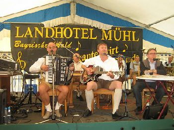 musikantenwirt-busreisen-programm-musik-tanz-bayerwald