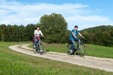 neuhof-e-bike-verleih-hotel-bayerischer-wald-touren