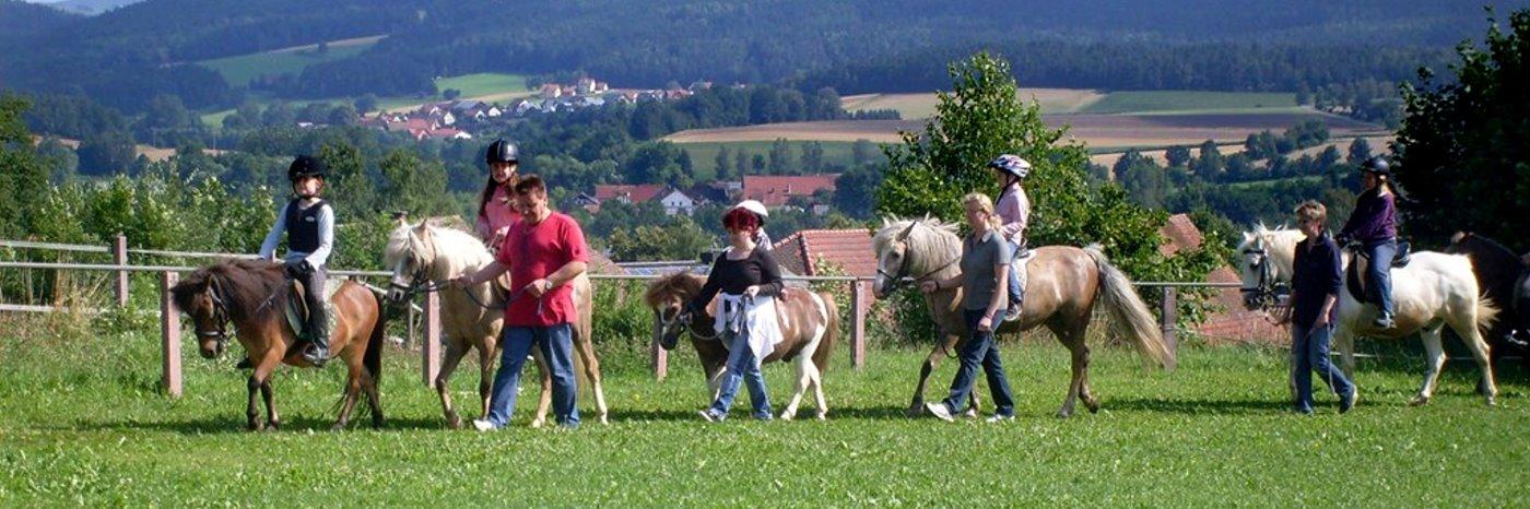 Ferien auf dem Ponyhof in Bayern Bauernhof Angebote in der Oberpfalz