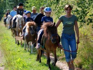 nissl-ponyreiten-gelände-ausritte-ferien-auf-dem-ponyhof