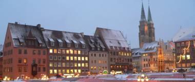 nürnberg-christkindlesmarkt-weihnachtsmarkt-panorama-380