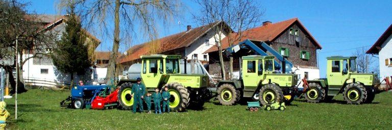 paulus-bauernhofurlaub-bayerischer-wald-traktoren-mitfahren