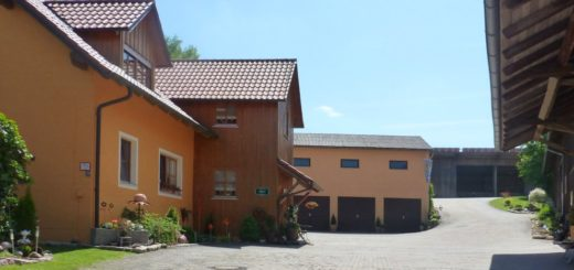 probstbauer-bauernhofurlaub-oberpfalz-familienurlaub-innenhof