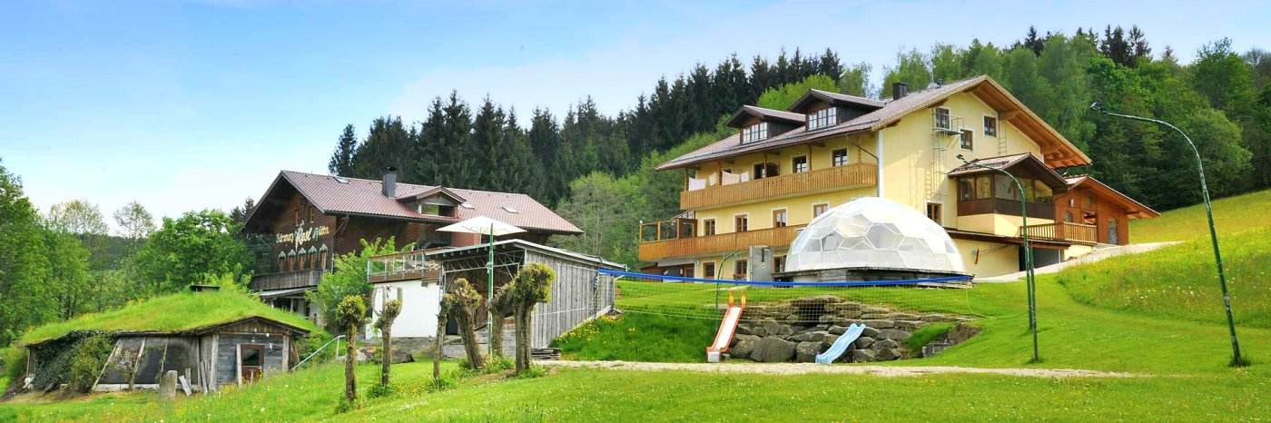 Gasthof Sankt Englmar Gästezimmer, Zimmer mit Frühstück in der Berghütte am Pröller