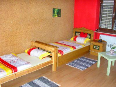 raith-ferienwohnung-roding-schlafzimmer-angelurlaub