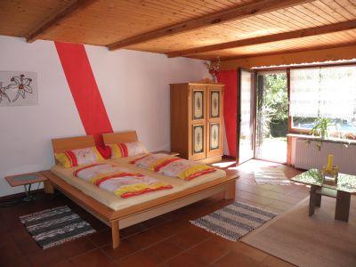 raith-ferienwohnung-schlafzimmer-urlaub-angelreisen-unterkunft-süddeutschland