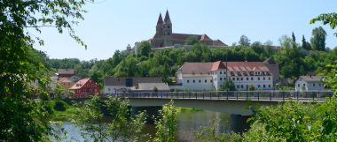 reichenbach-ortschaft-regen-fluss-klosterkirche-380