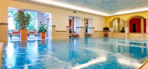 reinerhof-sankt-englmar-wellnesshotel-niederbayern-schwimmbad-hallenbad