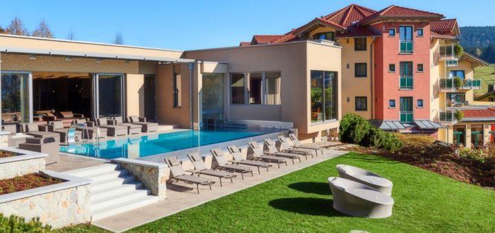 reinerhof-st-englmar-wellnesshotel-niederbayern-infinity-pool