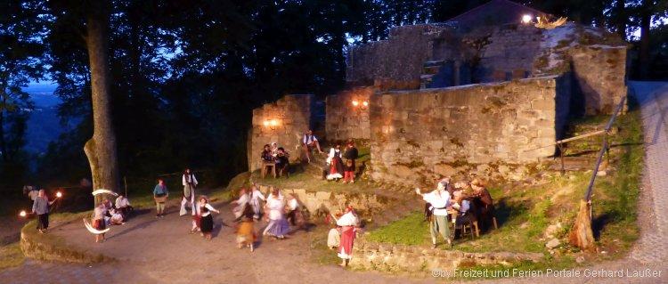 Freilichtspiel am Schwarzwihrberg - Der Guttensteiner Rötz das Festspiel auf der Schwarzenburg