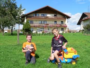 Kinderfreundlicher und familienfreundlicher Bauernhofurlaub bei Walderbach & Roding