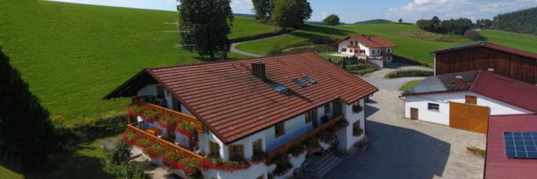 schauberger-breitenberg-bauernhofurlaub-bayerischer-wald-ferienhaus