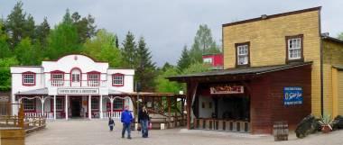 schloss-thurn-westernstadt-bayern-westerntown-deutschland-panorama-380