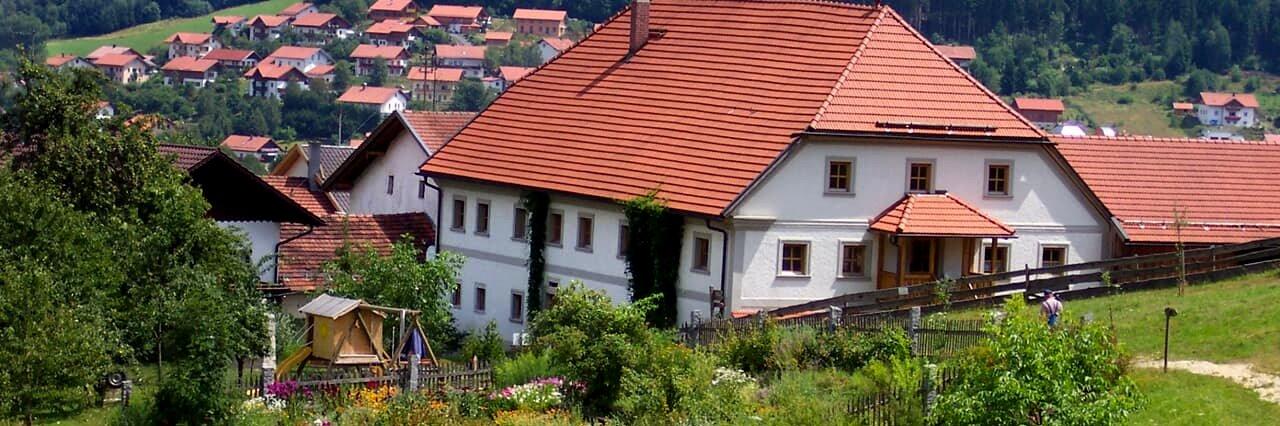 Urlaub am Kräuterhof Bayerischer Wald Kräuterbauernhof Ansicht