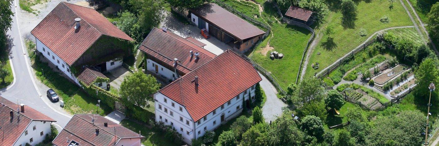 Bauernhof Schmalzbauer Ferienwohnung in Ringelai Kräuterhof im Ohetal