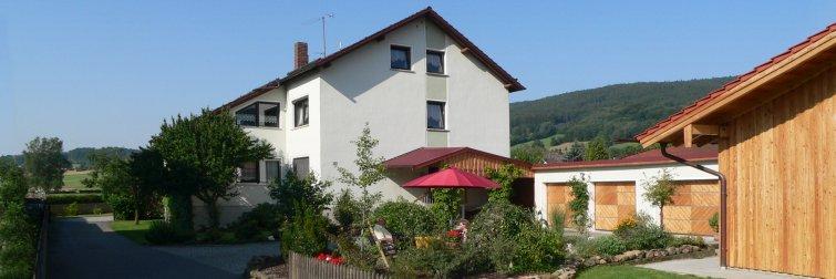 Ansichgt der Ferienwohnung im idyllischen Ferienort in Bayern / Bayerwald
