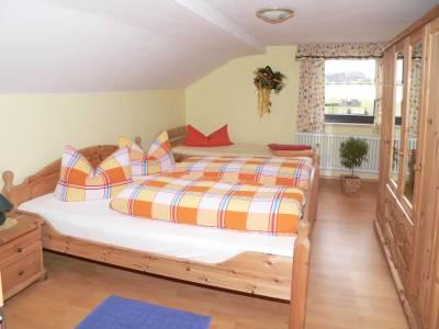 seidl-gleissenberg-ferienwohnung-privat-deutschland-schlafzimmer