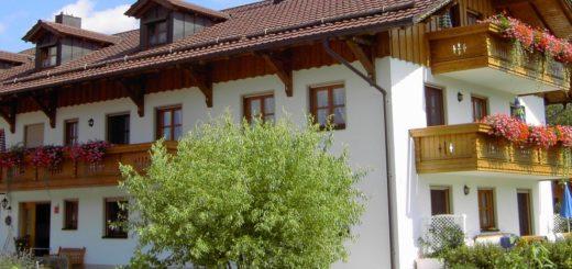 sieglinde-ferienbauernhof-lalling-ferienwohnungen-niederbayern