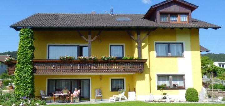 simon-landhaus-ferienwohnung-gleissenberg-oberpfalz-garten
