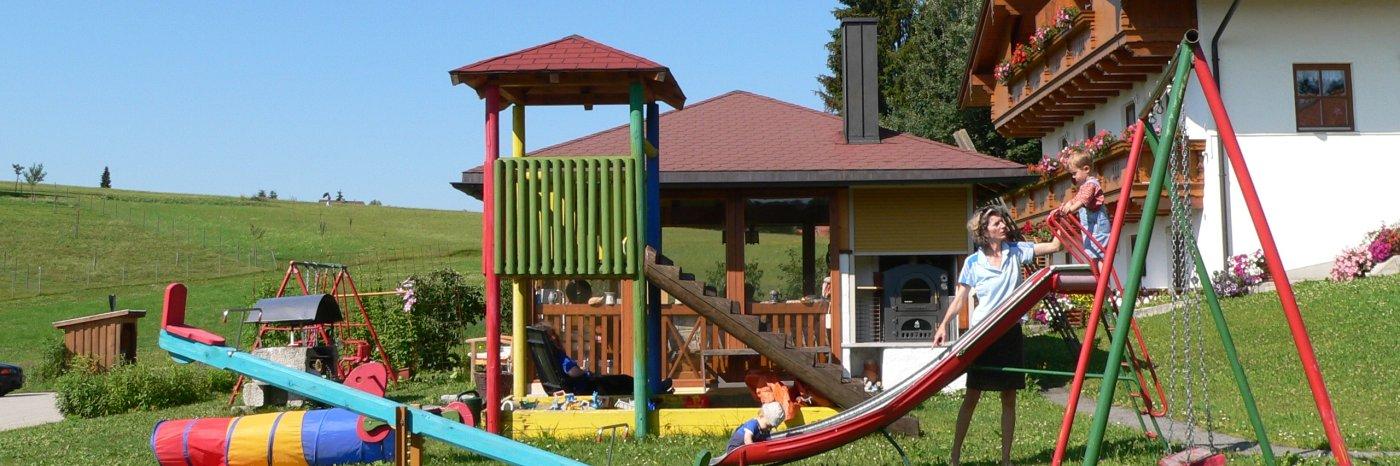 Kinderspielplatz der Ferienwohnung am Dreiländereck in Deutschland
