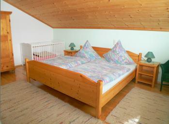 sponfeldner-ferienhaus-bayerischer-wald-schlafzimmer