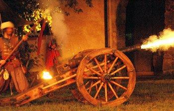 trenk-festspiel-mittelalter-krieg-kanonenschuss
