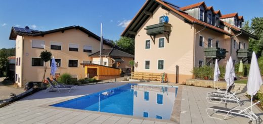 türlinger-hotel-gasthof-swimming-pool-cham-oberpfalz