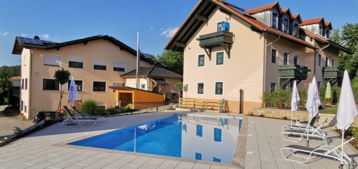 türlinger-hotel-gasthof-swimming-pool-cham-oberpfalz