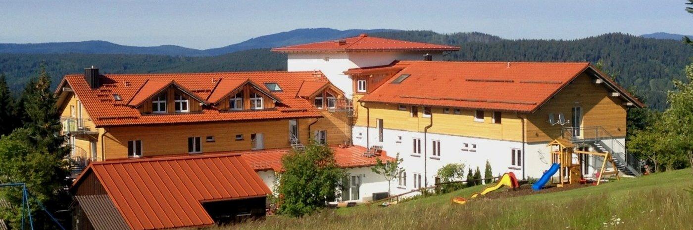 waldeck-bayerischer-wald-wellnesshotel-familienurlaub-hund