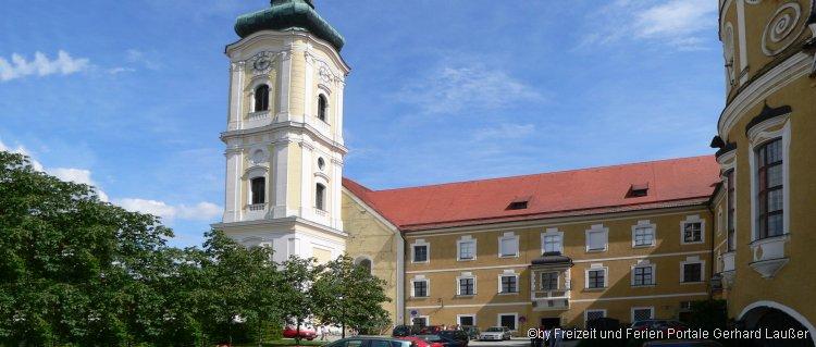 Festliche Konzerte im Kloster Walderbach - Ansicht Klosterkirche aussen