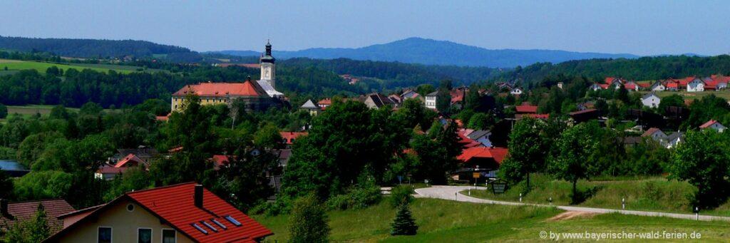 Kreismuseum und Kreislehrgarten Walderbach im Kloster in der Oberpfalz