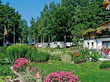 waldesruh-campingplatz-camping-urlaub-deutschland-wohnwagen-stellplatz