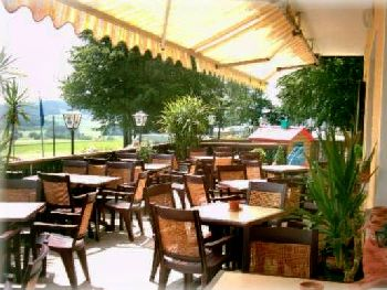 waldesruh-terrasse-biergarten-nordic-walking-hotel
