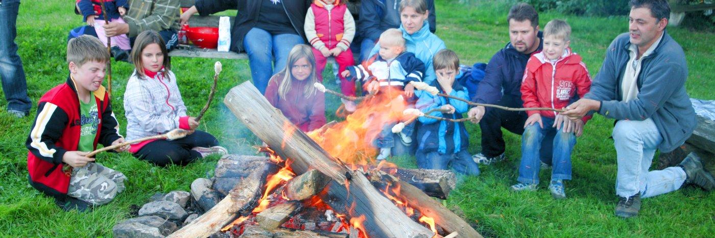 Lagerfeuer Erlebnis beim Bauernhof Urlaub in Zwiesel Wellness und Reiterurlaub
