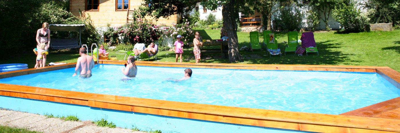 weidererhof-zwiesel-kinderbauernhof-wellness-schwimmbad
