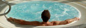 wellness-bayerischer-wald-ferienhaus-whirlpool-huette-chalet