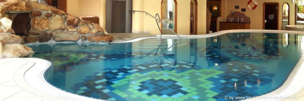 Bayerischer Wald Familienhotel mit Schwimmbad oder Hallenbad in Bayern