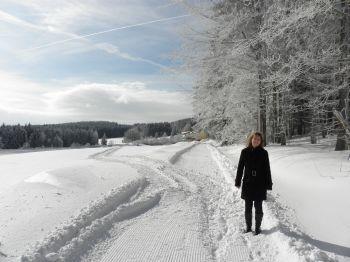 wintersportreisen-bayern-sportler-urlaub-schneewandern