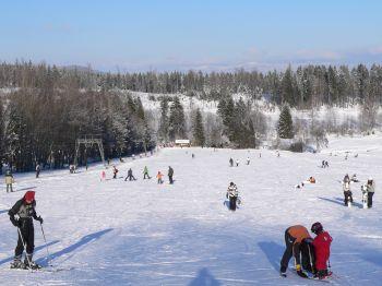 winterurlaub-skigebiet-rusel-wintersport-skifahren