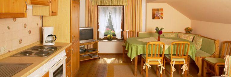 wouznhof-bauernhof-waldmuenchen-ferienwohnungen-selbstversorger